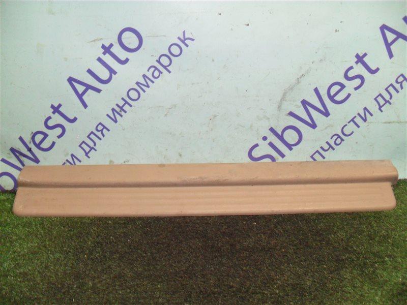 Порожек пластиковый Isuzu Wizard UES73FW 4JX1 2000 передний правый