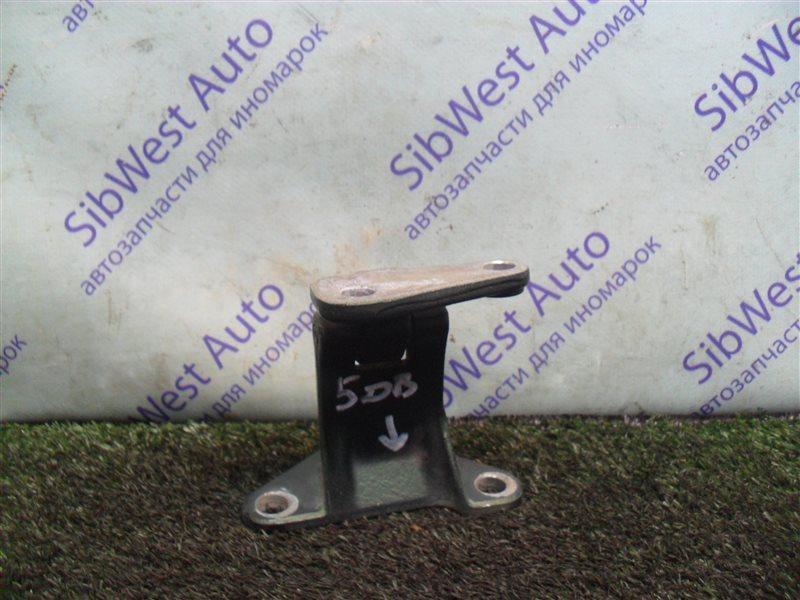 Петля дверная Isuzu Wizard UES73FW 4JX1 2000 задняя нижняя