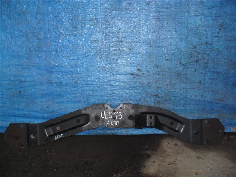 Балка подвески Isuzu Wizard UES73FW 4JX1 2000 передняя