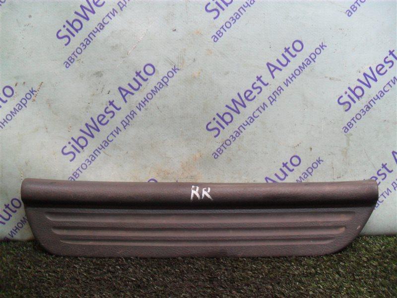 Порожек пластиковый Mitsubishi Libero CD2V 4G15 1993 задний правый