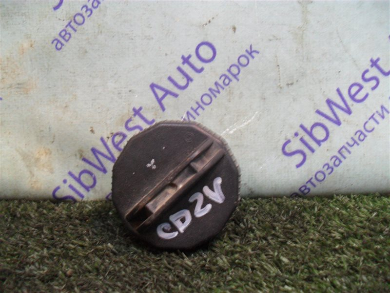 Крышка бензобака Mitsubishi Libero CD2V 4G15 1993