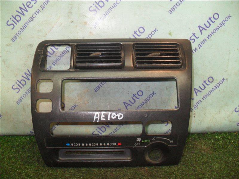 Консоль магнитофона Toyota Corolla AE100 5A-FE 1993