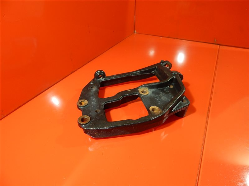 Крепление компрессора кондиционера Toyota Lite Ace GK-KR52V 7KE
