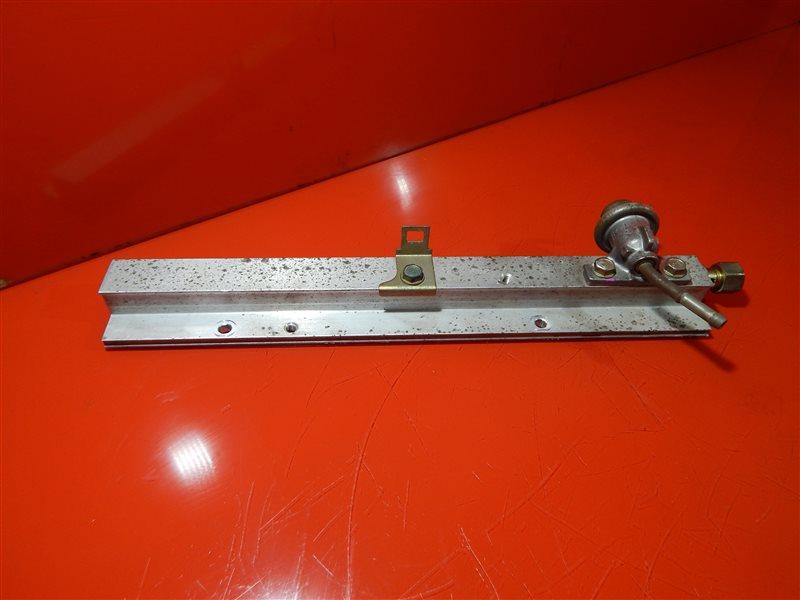 Топливная рейка Honda Civic GF-EK2 D13B