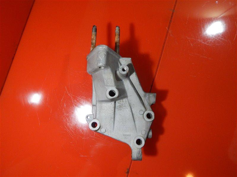 Кронштейн опоры двигателя Mitsubishi Diamante ABA-F34A 6A13