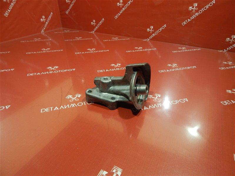 Крепление масляного фильтра Toyota Lite Ace E-YM30G 2Y