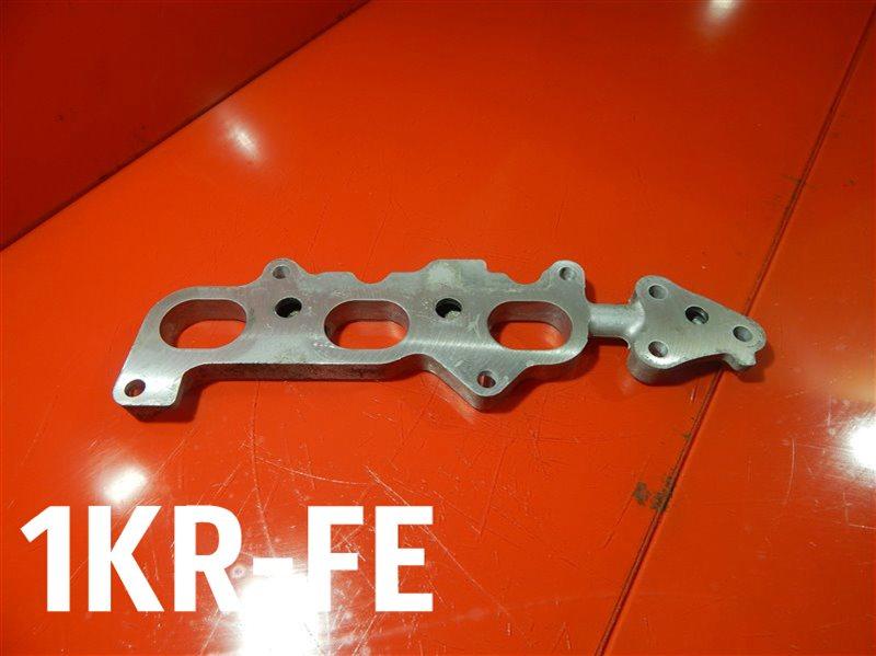 Пластина впускного коллектора Toyota Belta DBA-KSP92 1KR-FE