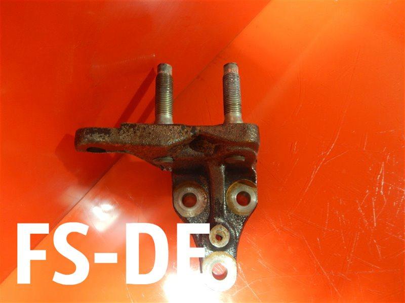 Кронштейн опоры двигателя Mazda 323 BJ FS-DE
