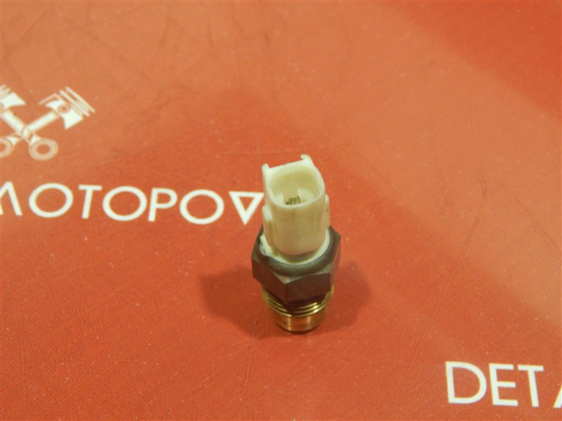 Датчик температуры охлаждающей жидкости Toyota Corolla TB-EE102V 4E-FE