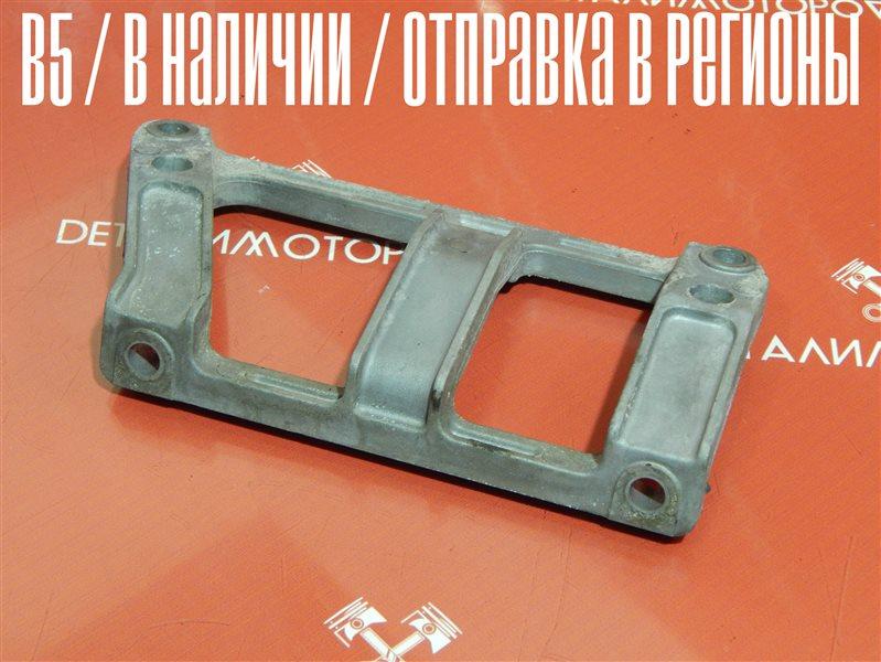 Крепление коллектора впускного Mazda Demio GF-DW5W B5E