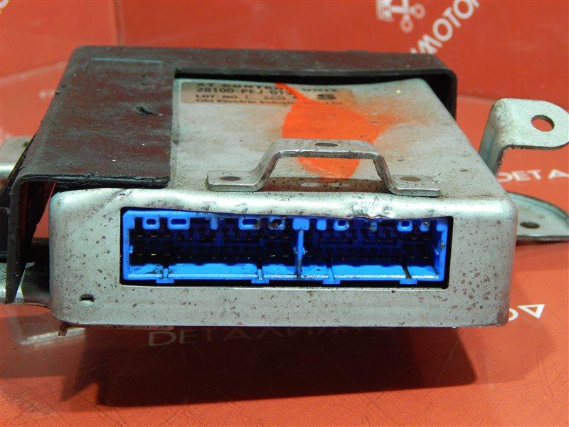 Блок управления двс Honda Capa D15B