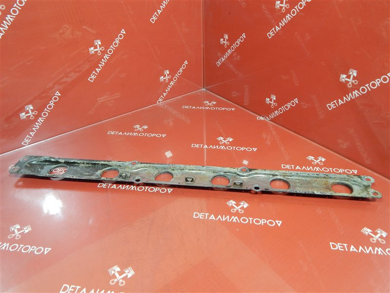 Накладка крышки клапанов Toyota Chaser GF-JZX105 1JZ-GE