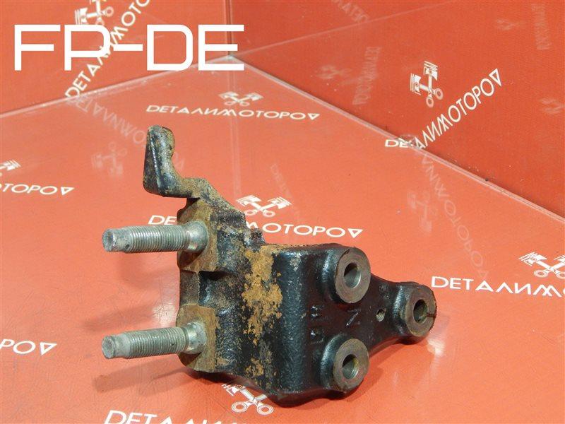 Кронштейн опоры двигателя Mazda 323 BJ FP-DE
