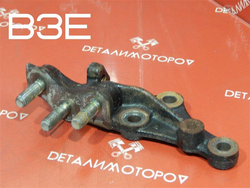 Кронштейн опоры двигателя Mazda Demio LA-DW3W B3E