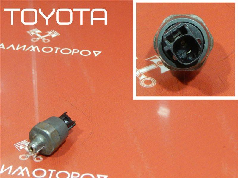 Датчик давления масла Toyota Avensis ZZT220 3ZZ-FE