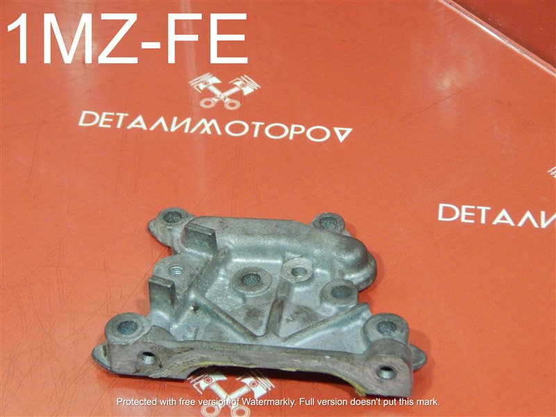 Крышка головки блока цилиндров Toyota Alphard CBA-MNH10W 1MZ-FE правая