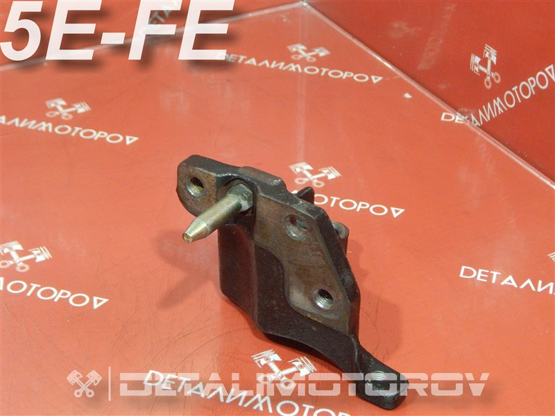 Кронштейн опоры двигателя Toyota Caldina GG-ET196V 5E-FE
