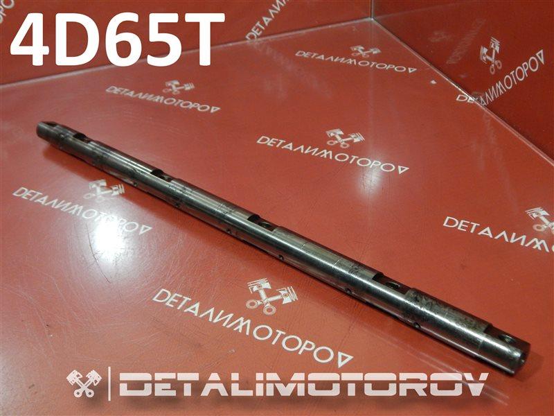 Вал коромысел Mitsubishi Chariot Q-D09W 4D65T