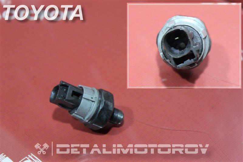Датчик давления масла Toyota Auris NDE150 1ND-TV