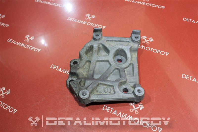 Крепление компрессора кондиционера Mitsubishi Aspire 4G93