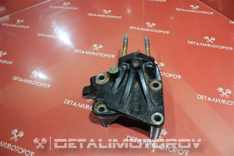 Кронштейн опоры двигателя Mitsubishi Aspire 4G93