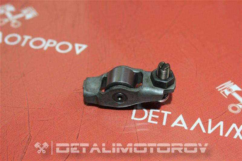 Коромысло клапана Toyota Auris 1ND-TV