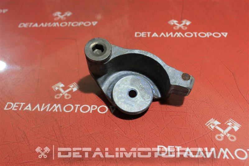 Кронштейн натяжного ролика Toyota Alphard 1MZ-FE