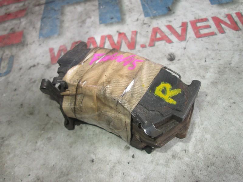 Тормозные колодки Nissan Pulsar FNN15 переднее