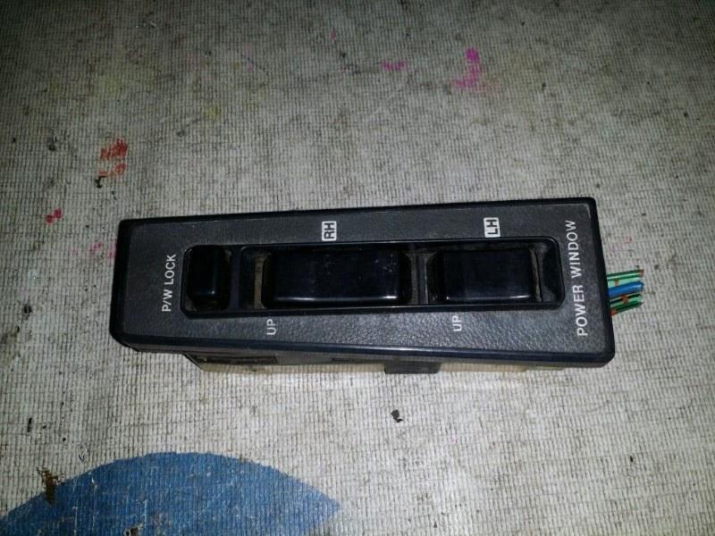 Блок управления стеклами Nissan Vanette C22 передний правый