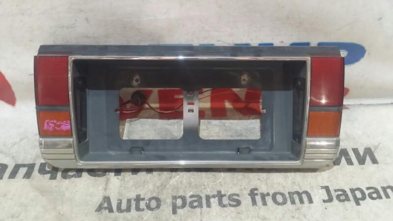 Стоп-вставка Mazda Luce HC3S задняя