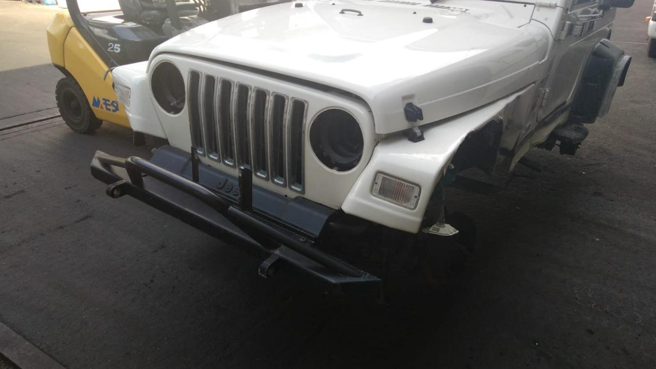 Бампер Jeep Wrangler TJ передний