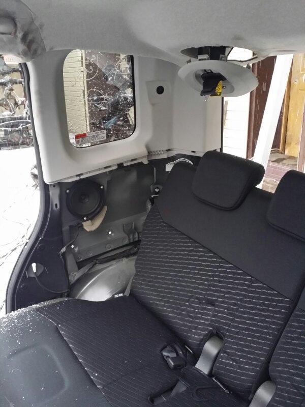 Обшивка багажника Toyota Tank M900A задняя правая верхняя