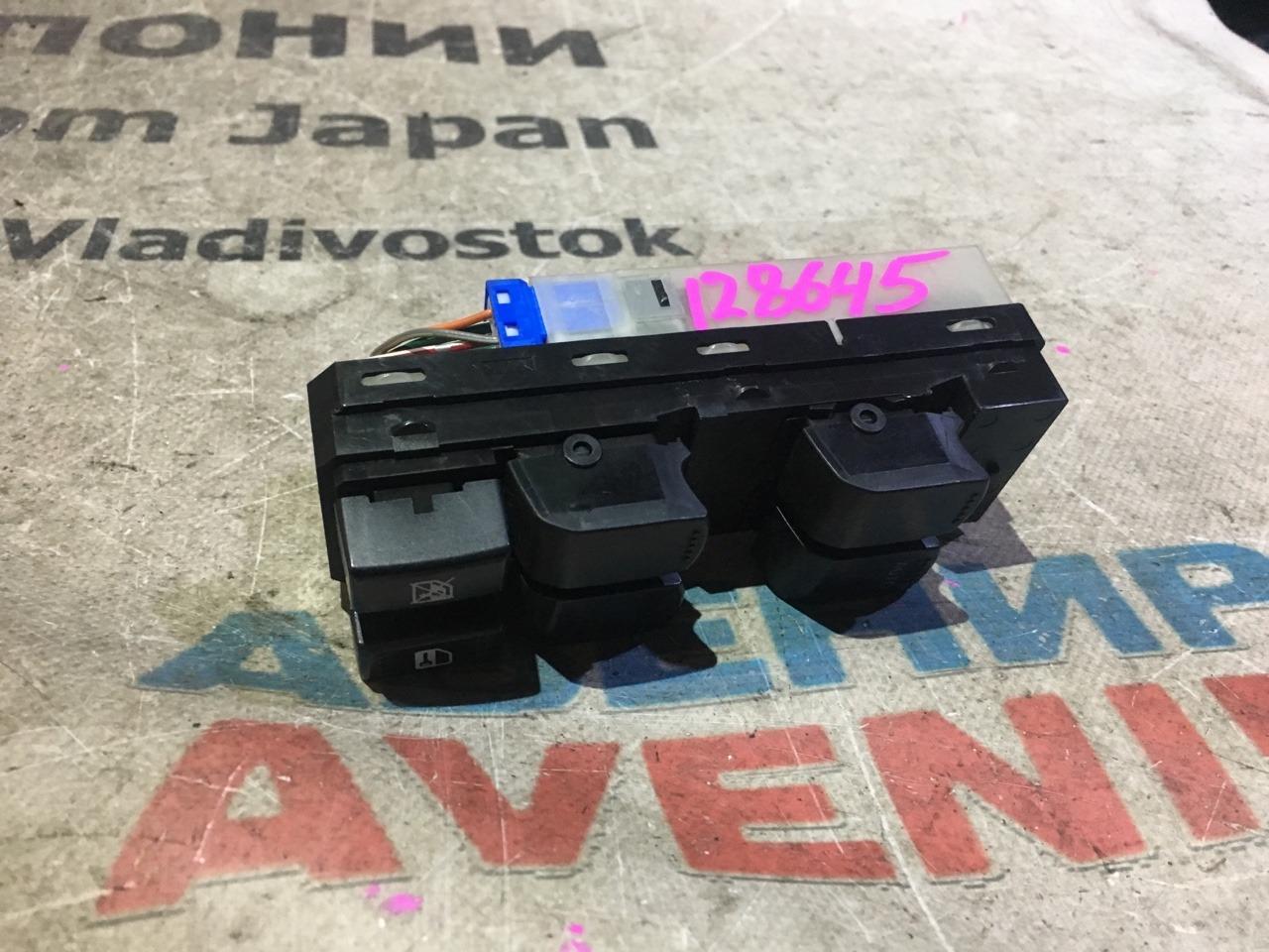 Блок управления стеклами Suzuki Sx4 YA41S передний правый