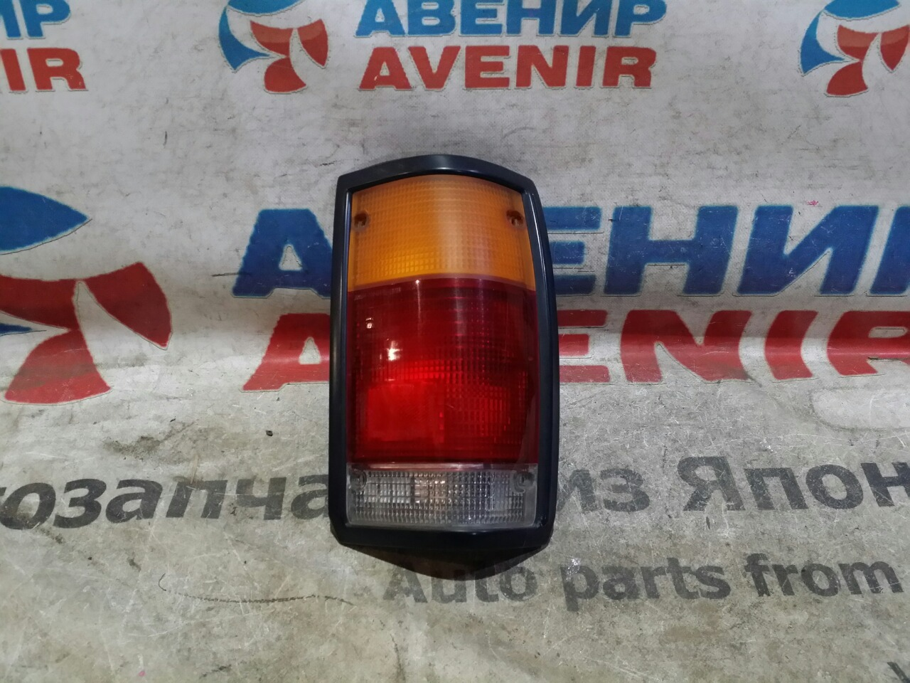 Стоп-сигнал Mazda Proceed Marvie UV66R задний правый