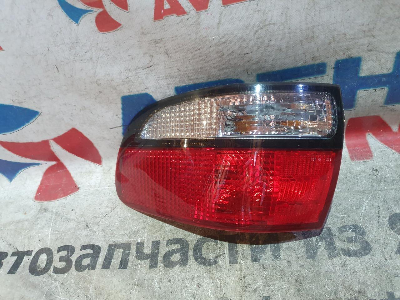 Стоп-сигнал Toyota Estima CXR20 задний левый