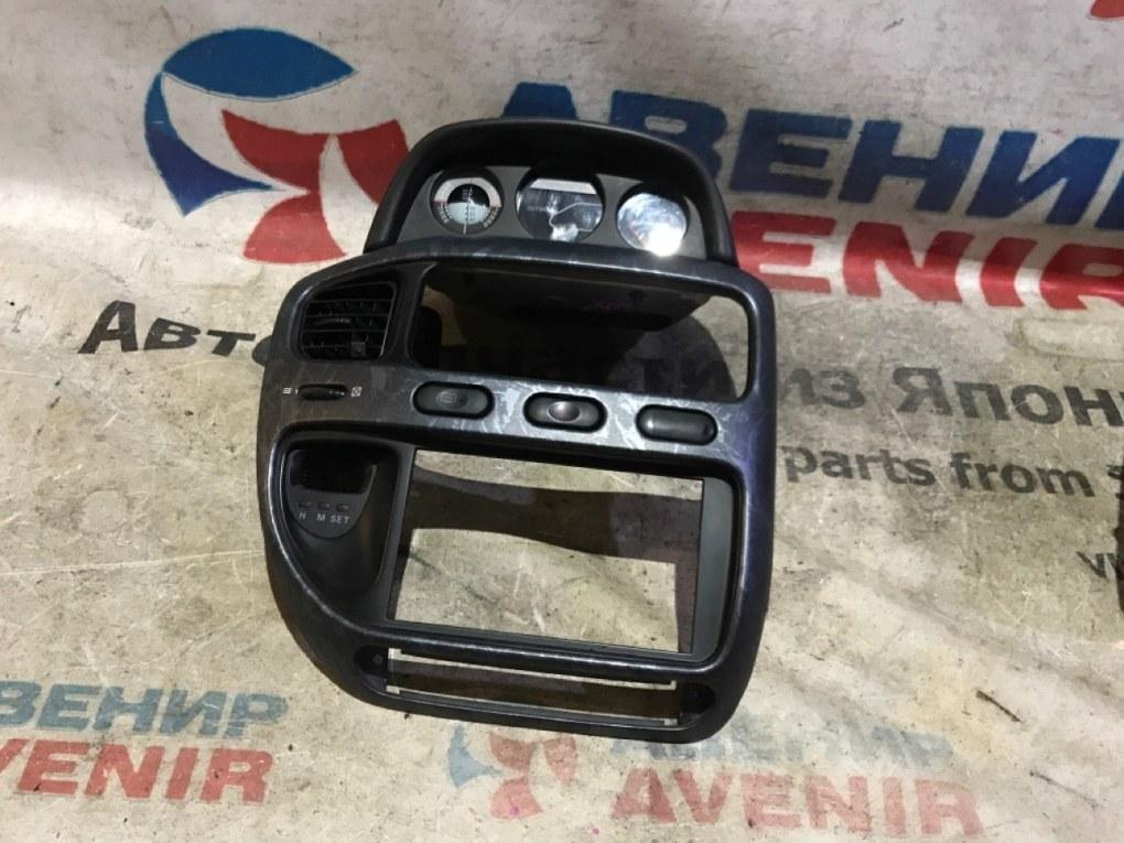 Консоль магнитофона Mitsubishi Delica PE8W