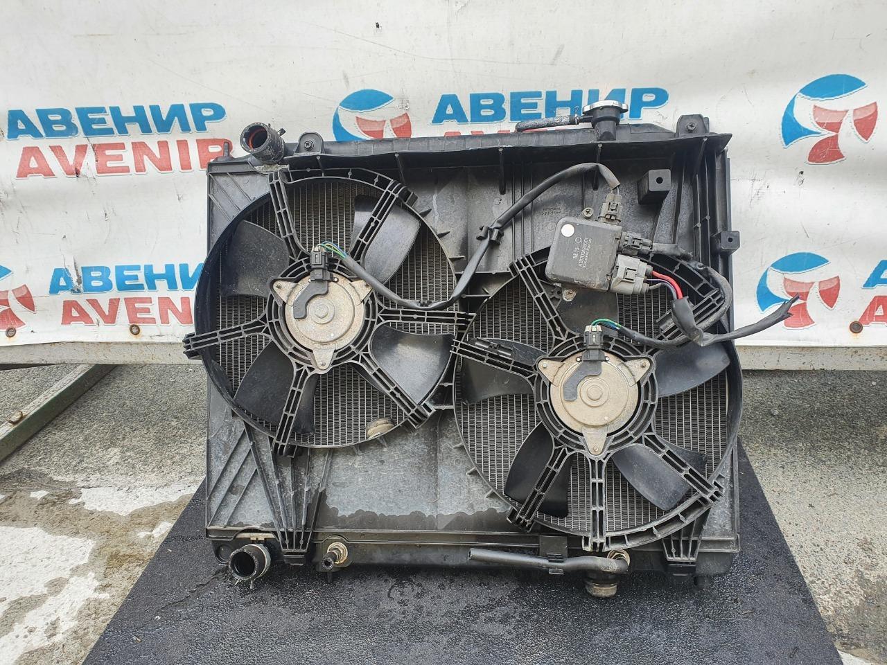 Радиатор Nissan Elgrand E51 VQ25