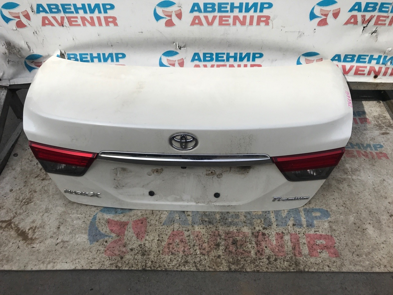 Крышка багажника Toyota Mark X GRX130