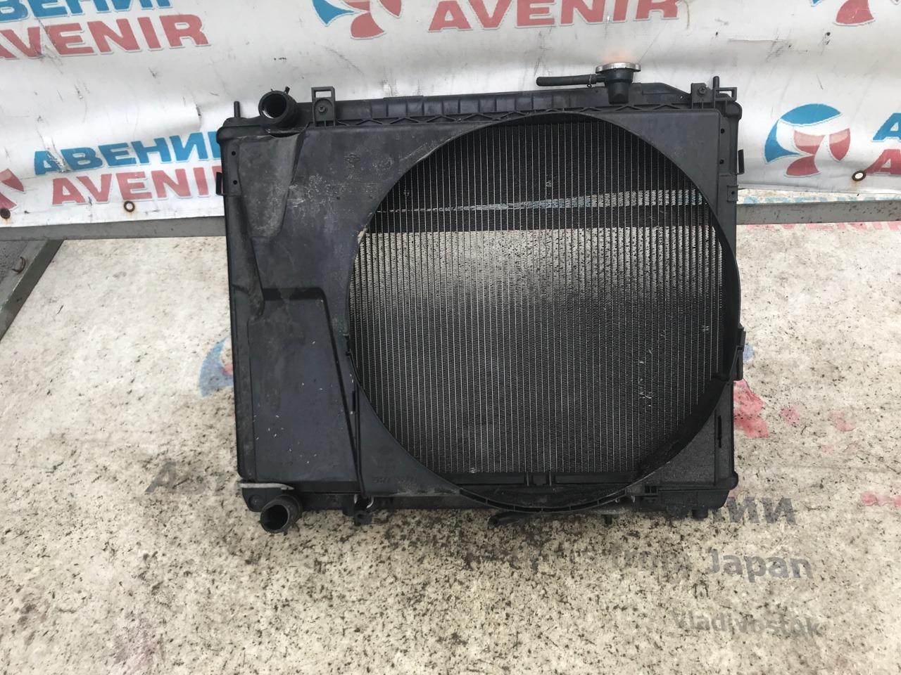 Радиатор Nissan Elgrand E51 VQ35