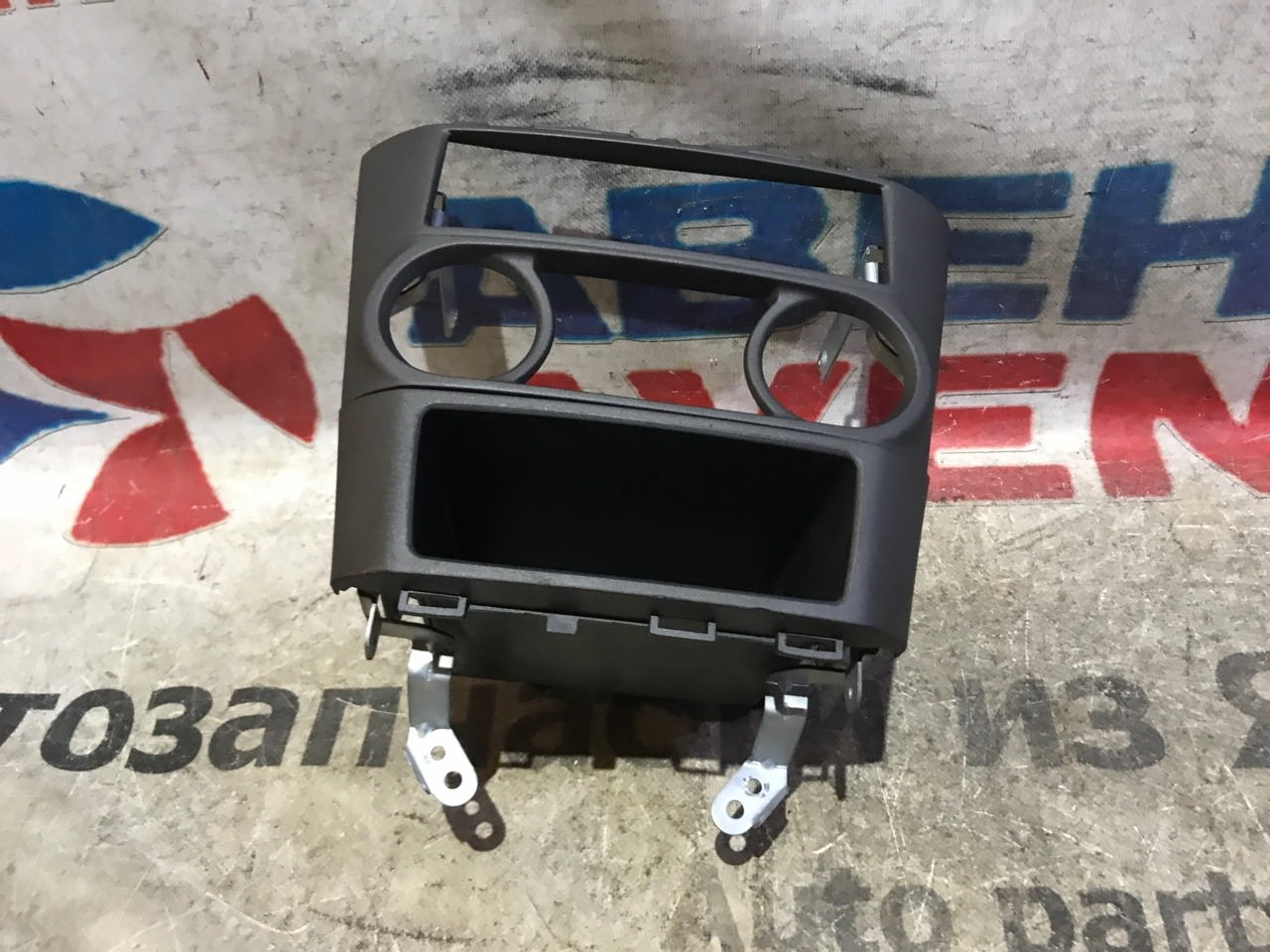 Консоль магнитофона Nissan Sunny FB15
