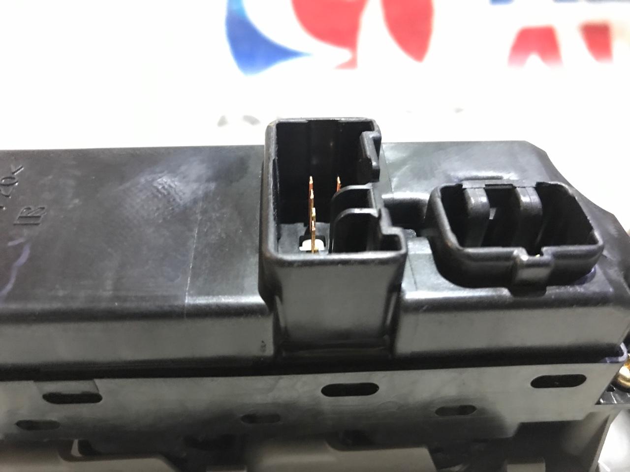 Блок управления стеклами Mazda Demio DW5W передний правый