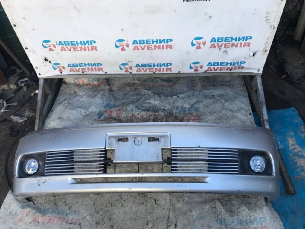 Бампер Nissan Bassara U30 передний
