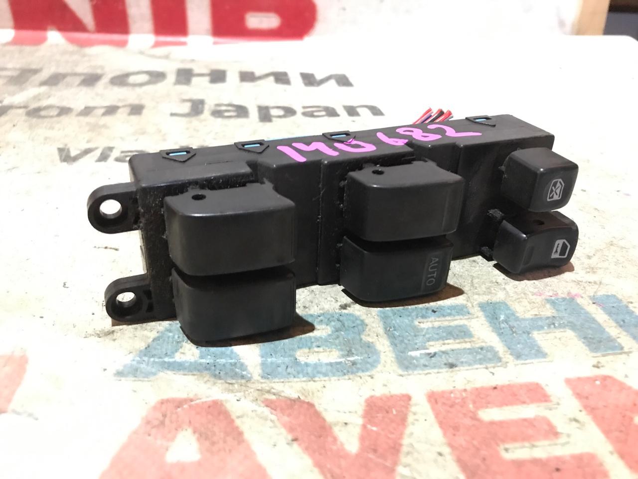 Блок управления стеклами Nissan Cube Z10 передний правый