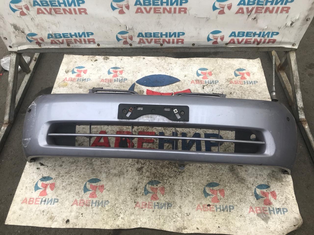 Бампер Toyota Prius NHW11 передний