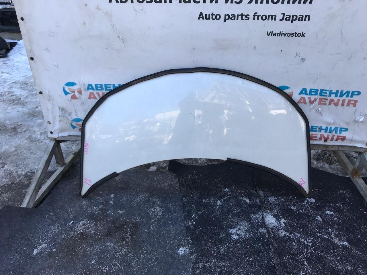 Капот Honda Freed Spike GP3