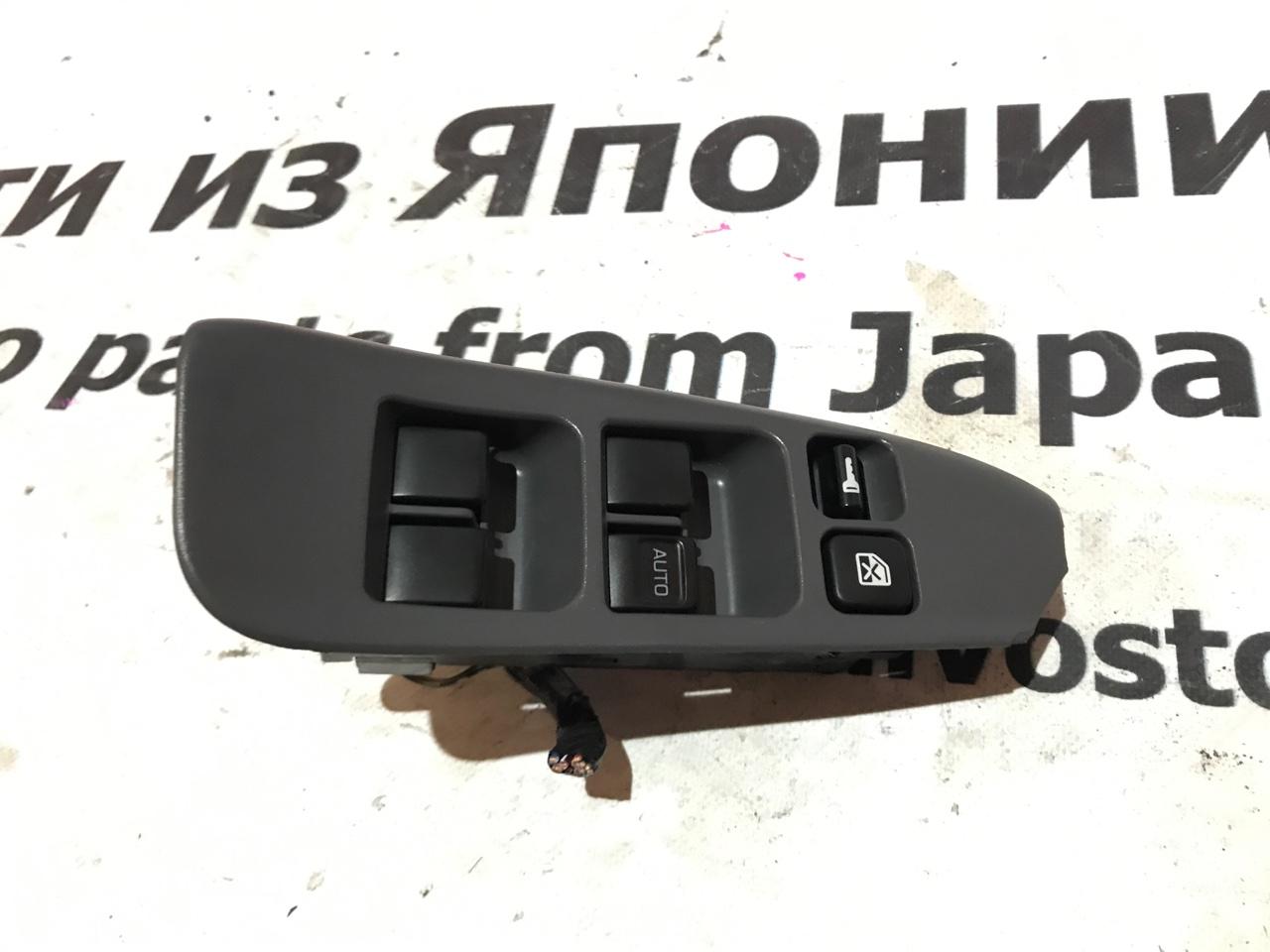 Блок управления стеклами Nissan Prairie Joy PNM11 передний правый