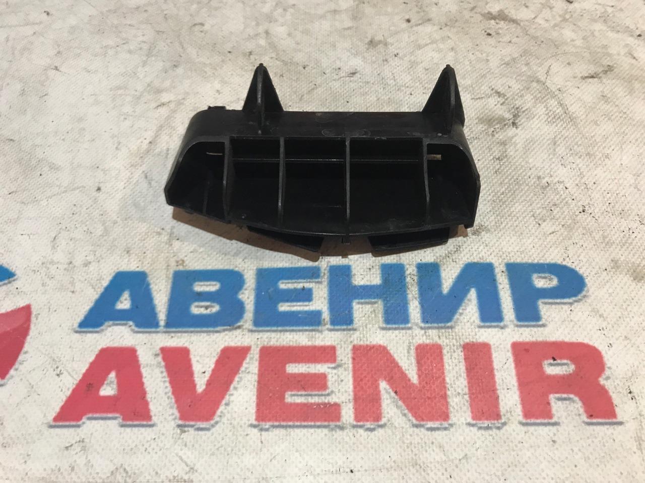 Крепление бампера Toyota Avensis ZRT272 заднее левое