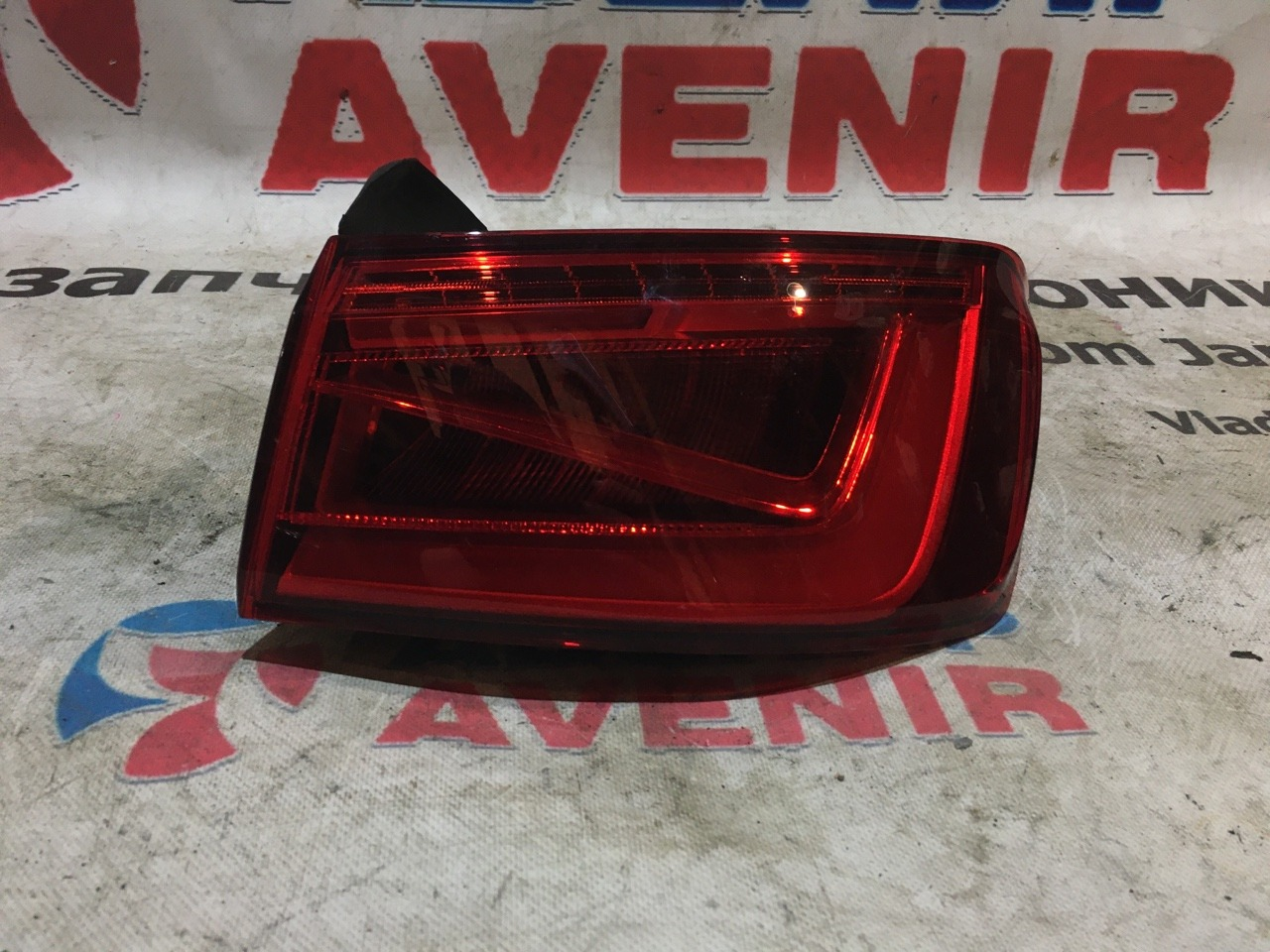 Стоп-сигнал Audi A3 8VS задний правый