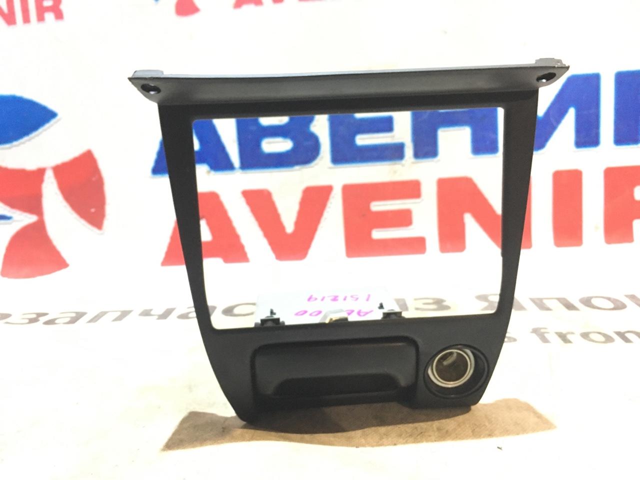 Консоль магнитофона Toyota Corolla AE100 нижний