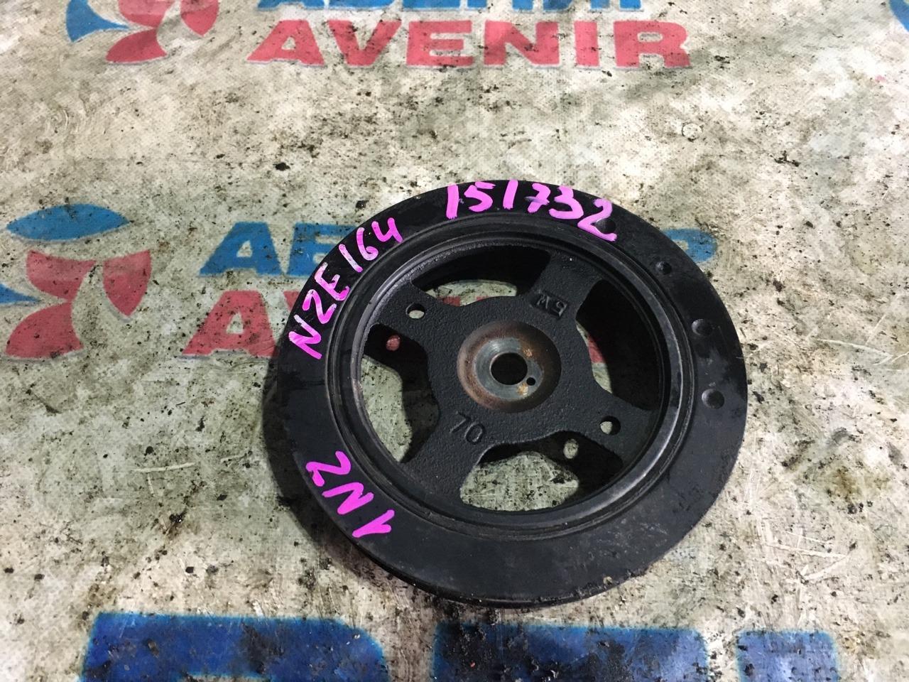 Шкив коленвала Toyota Corolla Axio NZE164 1NZ-FE